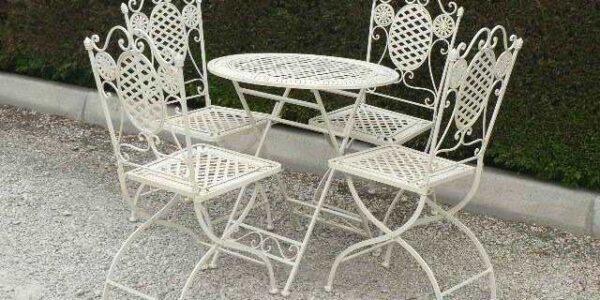 verniciatura tavoli